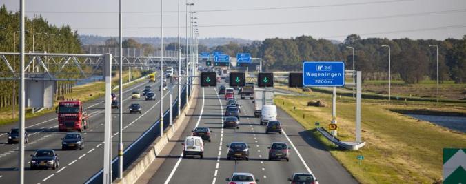 snelweg met autos